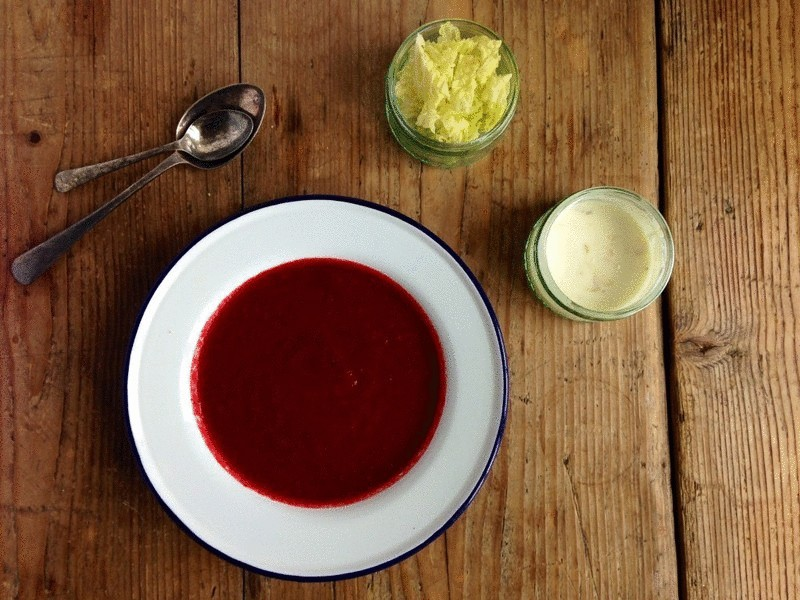 content_uncooked_soup_made_from_beets_and_tomatoes__econet_ru