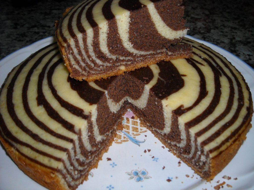 Открытки наступающим, торт зебра гифка